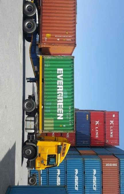 5 Ways Used Shipping Containers Can Benefit Your Business
